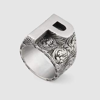 "Gucci ""P"" letter ring in silver"
