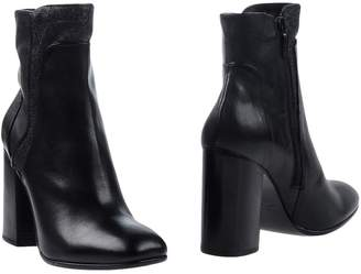 Janet & Janet Ankle boots - Item 11269498JW