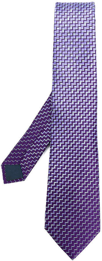 zig-zag print tie