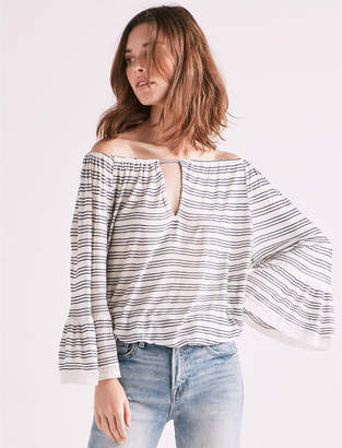 Lucky Brand STRIPE BELL SLEEVE PEASANT TOP