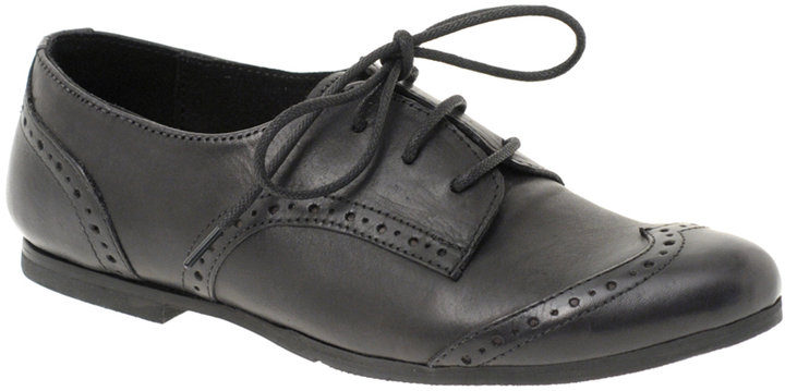 ASOS MACKENZIE Leather Lace-Up Brogue