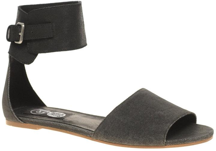 Cheap Monday Saviour Sianii Cuffed Flat Sandals