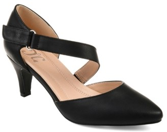 Journee Collection Tillis Pump