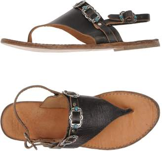 RUST MOOD Toe strap sandals