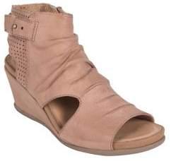 Earth Sweetpea Leather Wedge Sandals