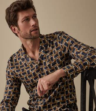 Reiss Our last order date for Christmas has now passed TOTTERI CUBAN COLLAR SHIRT Yellow