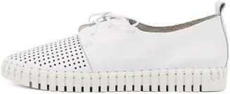 Django & Juliette Huston White Shoes Womens Shoes Casual Flat Shoes