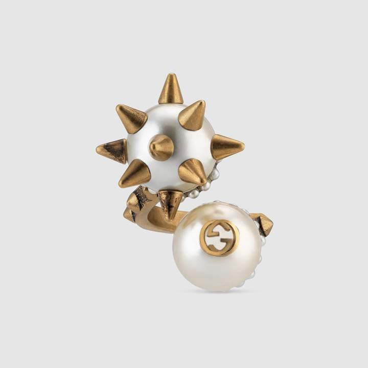 Ring with double glass pearl