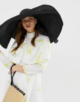 167cf2760db Asos Design DESIGN oversize turn back brim straw hat