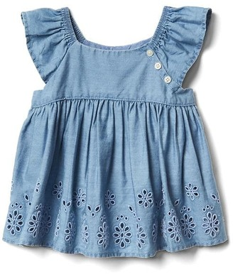 Eyelet chambray flutter top $29.95 thestylecure.com