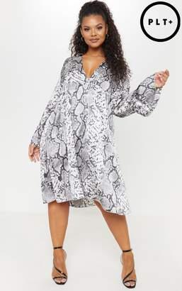 PrettyLittleThing Plus Grey Snake Print Swing Midi Dress