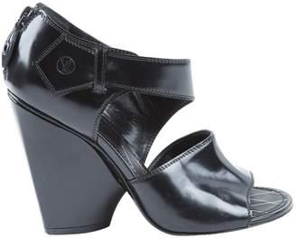 Louis Vuitton Black Leather High Heel
