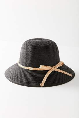 Urban Outfitters Pearl Bow Straw Cloche Hat
