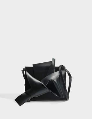N°21 N21 Bow Shoulder Bag in Black Calfskin