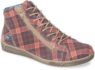 CLOUD Aika High Top Sneaker