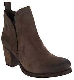 Bos. & Co. Water Resistent Suede Pull on AnkleBoots- Belfield