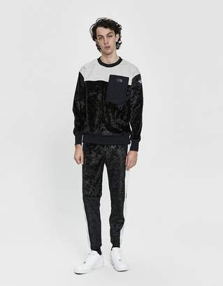 The North Face Black Series City Velvet Crewneck Pullover in TNF Black