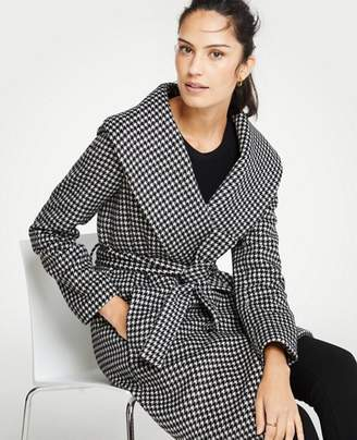 Ann Taylor Petite Houndstooth Shawl Collar Wrap Coat