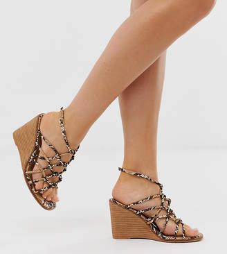 6d4b157405f Asos Design DESIGN Wide Fit Zoe wedge sandals