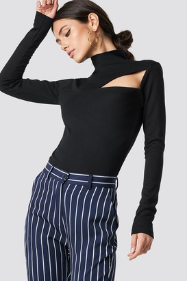 Na Kd Trend Chest Cut Out Top