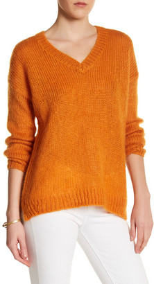 TOPSHOP V-Neck Long Sleeve Knit Sweater $95 thestylecure.com