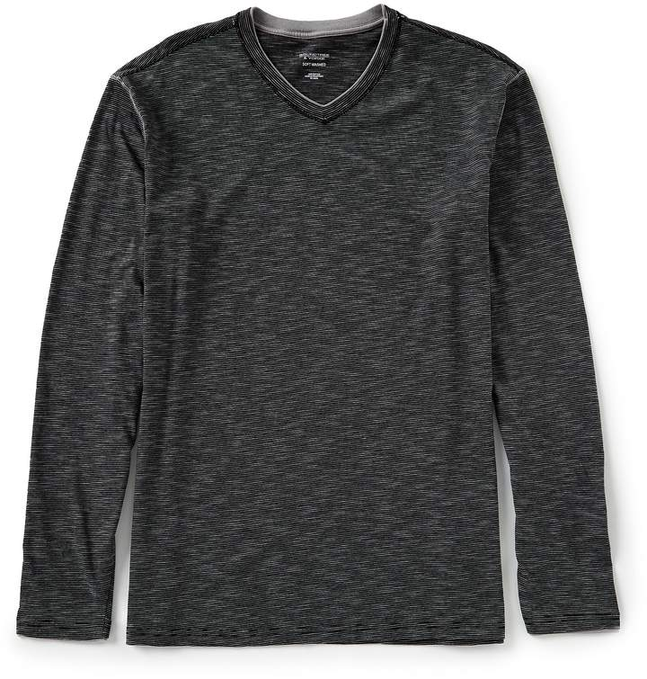 Roundtree & Yorke Soft-Washed Long-Sleeve V-Neck Pullover