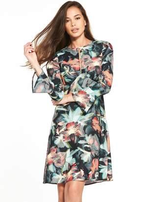 Closet Tropical Print Fluted Sleeve Dress