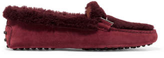 Tod's Gommini Suede And Shearling Loafers - Burgundy