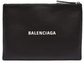 Balenciaga Everyday M Logo Print Leather Pouch - Mens - Black