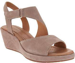Clarks Leather Wedge Sandals -Un Plaza Sling