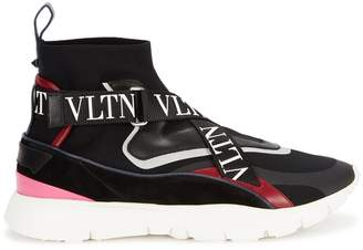 Valentino Heroes Her Stretch