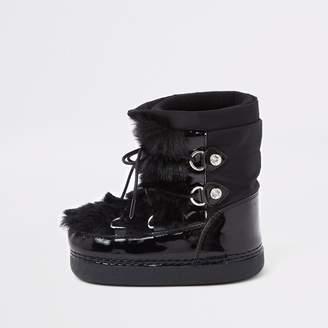 82d556d3925d5 River Island Mini girls Black faux fur trim snow boots