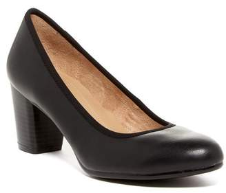 Naturalizer Naomi Dress Pump - Wide Width Available