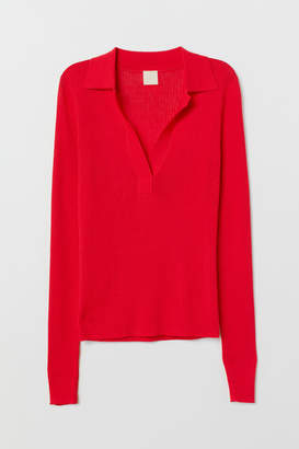 H&M V-neck Sweater with Collar - Red
