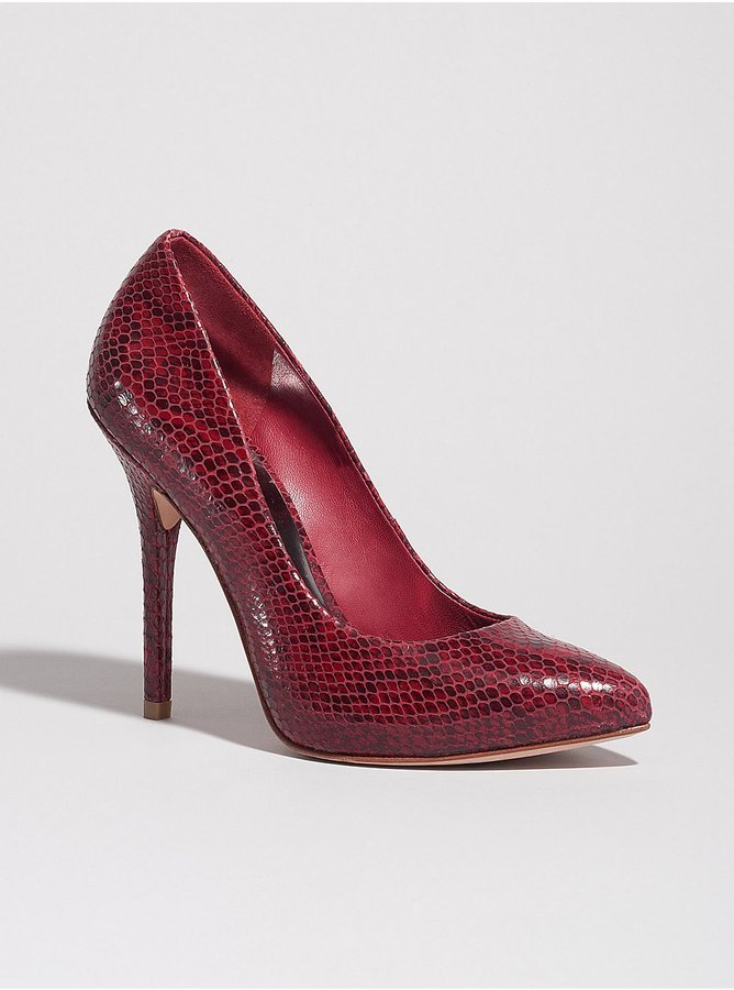 GUESS by Marciano Florence Pump