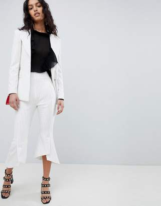 Elliatt Striped Cropped Tailored PANTS