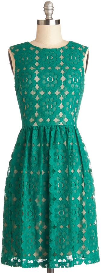 Outdoor Arpeggios Dress in Jade
