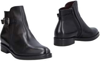 Donna Più Ankle boots - Item 11464818