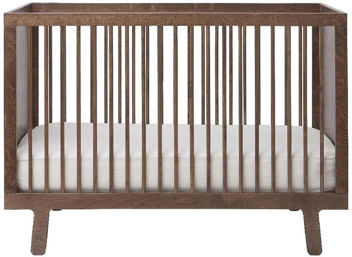 Oeuf Sparrow Crib Walnut