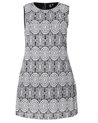 Izabel London Curve Sleeveless Dress