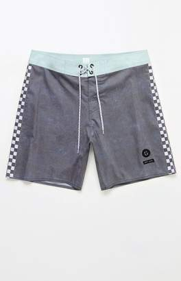 "Lira Side Checked 18"" Boardshorts"