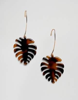 Glamorous tortoiseshell resin drop earrings