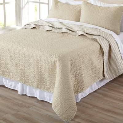 Wayfair Castorena Quilt Set
