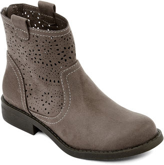 ARIZONA Arizona Marco Womens Laser-Cut Ankle Boots $70 thestylecure.com