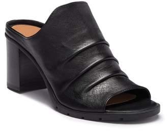 The Flexx Aim To Pleat Leather Block Heel Mule Sandal