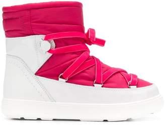 Moncler platform snow boots