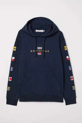 H&M Hooded Sweatshirt with Motif - Blue