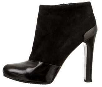 Fendi Platform Round-Toe Ankle Boots Black Platform Round-Toe Ankle Boots