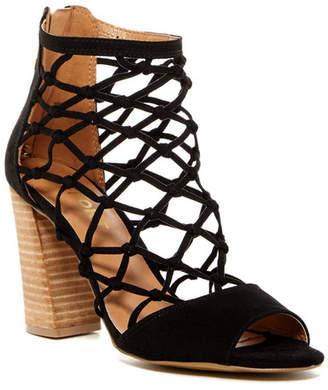Report Mixie Block Heel Sandal $70 thestylecure.com