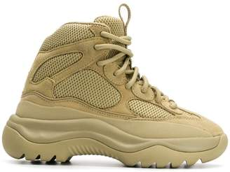 Yeezy Desaert boot sneakers